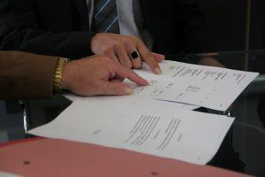 Mietvertrag prüfen